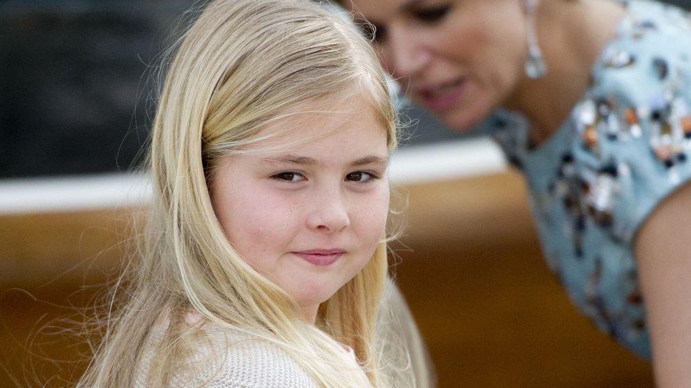 La guardaespaldas de Amalia de Holanda se olvida la pistola en el colegio de la heredera