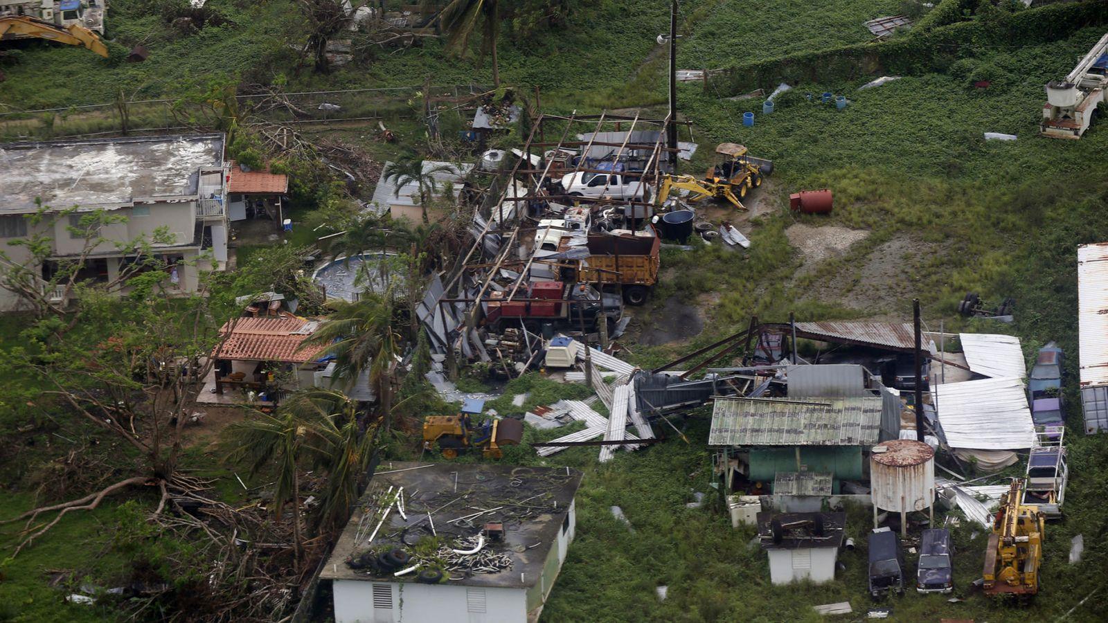 Foto: Misión del ejército para entregar suministros a damnificados huracán maría en Puerto Rico. (EFE)