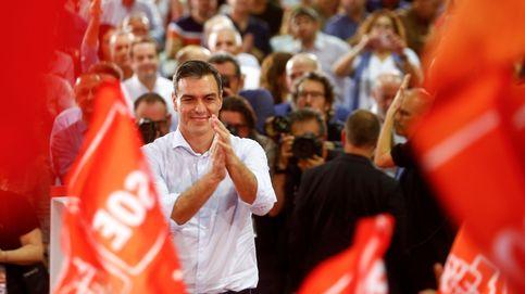 El bipartidismo arranca en Sevilla: el PSOE busca el voto en masa y el PP, la vía andaluza