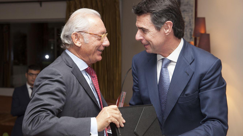 Foto: El empresario Isak Andic junto al ministro José Manuel Soria (Cámara de Comercio Hispano-Turca)