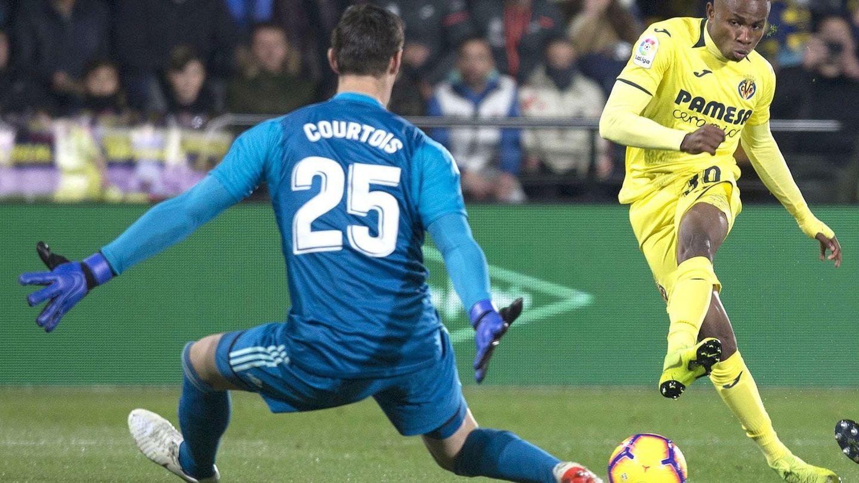 Courtois en el partido contra el Villarreal. (Efe)