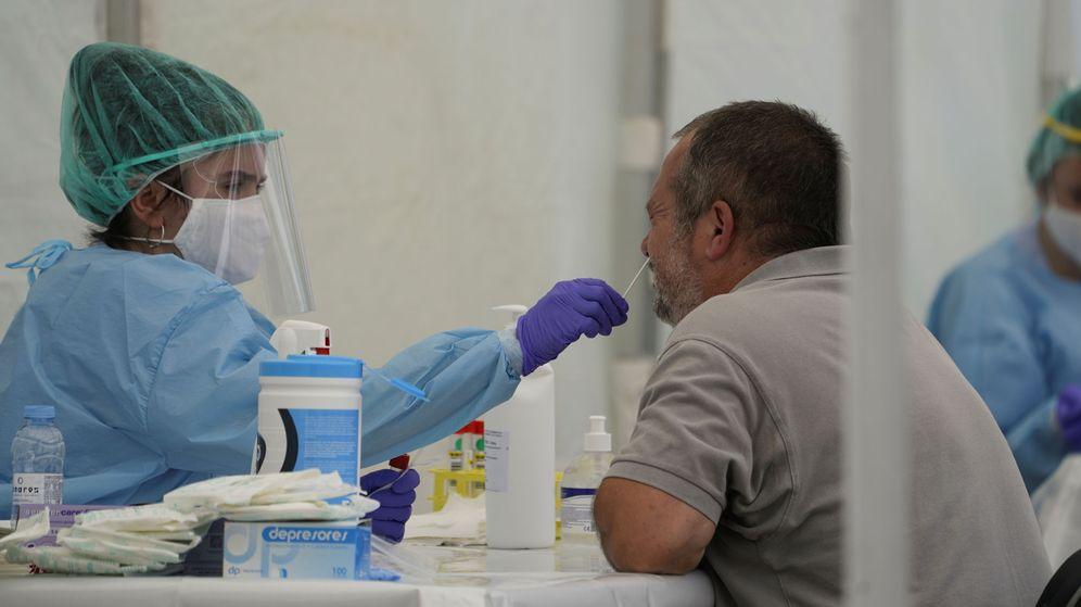Foto: Entre el 31 de julio y el 6 de agosto, España realizó 331.442 PCR. (Reuters)