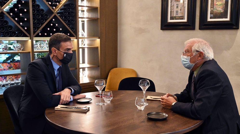 Foto: Pedro Sánchez y Josep Borrell en Bruselas el pasado 23 de septiembre. (EFE)