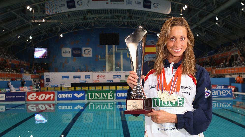 Foto: Gemma Mengual, con sus medallas y un trofeo del Campeonato Europeo. (Getty)