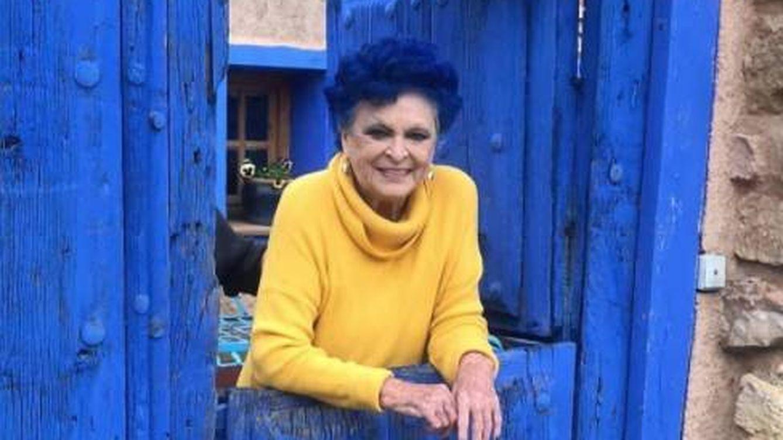 La famosa casa azul de Lucía Bosé en Brieva se vende por 430.000 euros
