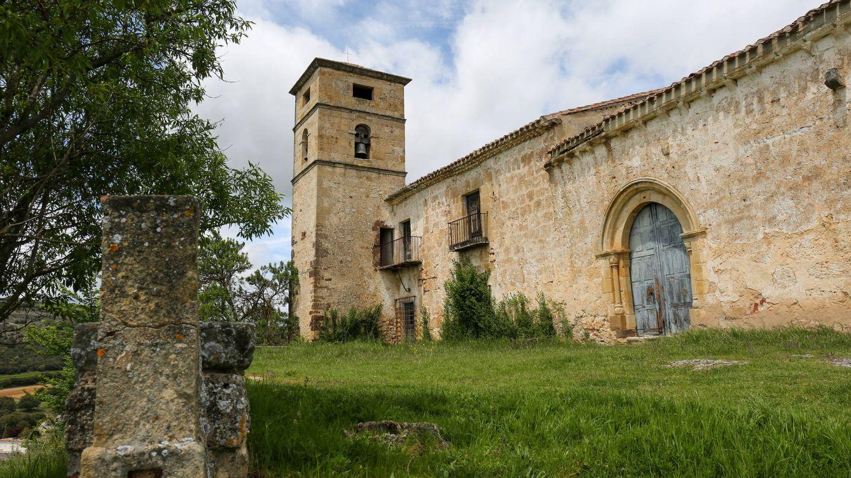 Foto: Fachada de la ermita y monasterio de La Monjía, en Fuentetoba. (David Brunat)