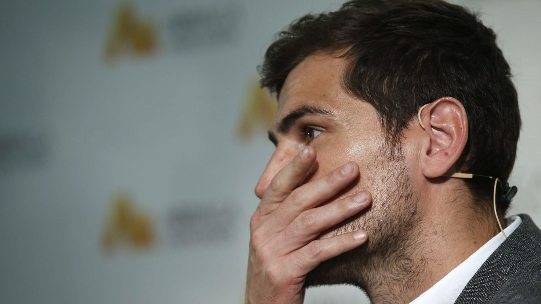 Foto: Iker Casillas, durante su acto junto a Arriaga Asociados (Gtres)