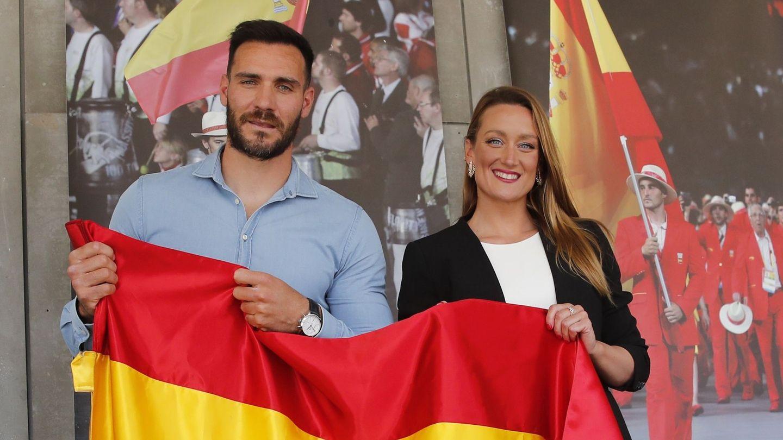 Saúl Craviotto y Mireia Belmonte, abanderados españoles. (EFE)