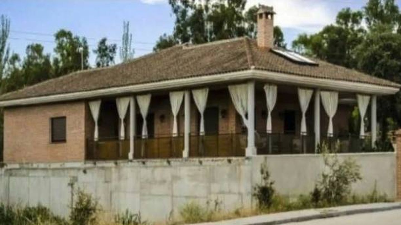 Imagen exterior del chalé propiedad de Ángel Demetrio de la Cruz en Pepino. (Acodap)