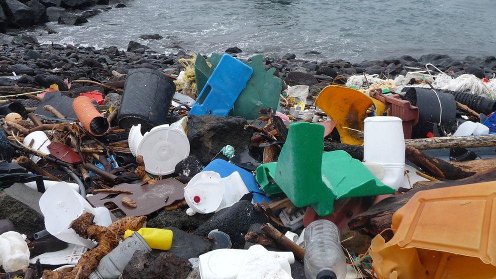 Casi 270.000 toneladas de plástico flotan en nuestros océanos