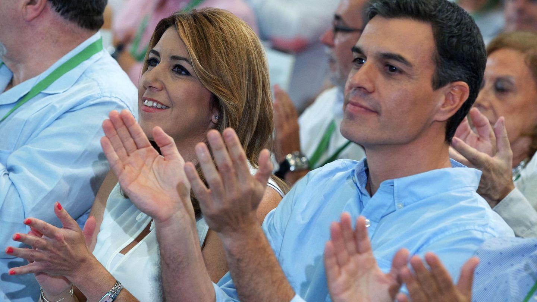 Susana Díaz y Pedro Sánchez, en la clausura del 13º Congreso del PSOE-A, este 30 de julio. (EFE)