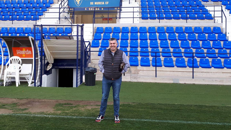 Juan Fernnado Serrano, en el estadio de la Condomina, en Murcia. (R. M.)