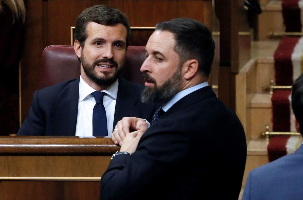 Foto: Casado y Abascal, en el Congreso. (Ballesteros/EFE)