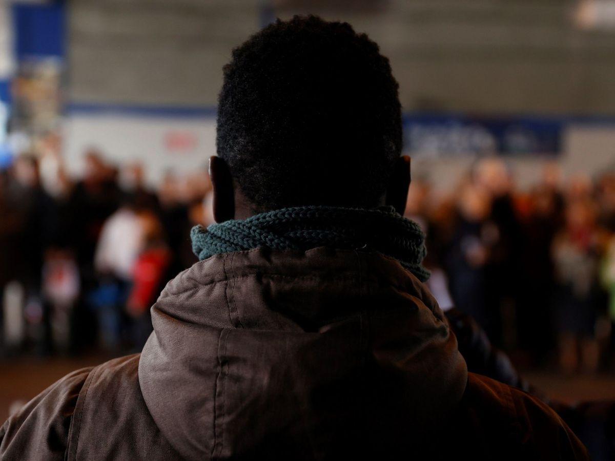 Foto: Varias ong organizan la Vigilia por las personas encerradas en los CIE. (EFE)