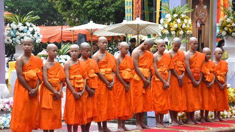 Tailandia da la nacionalidad al entrenador y los niños de la cueva que no la tenían