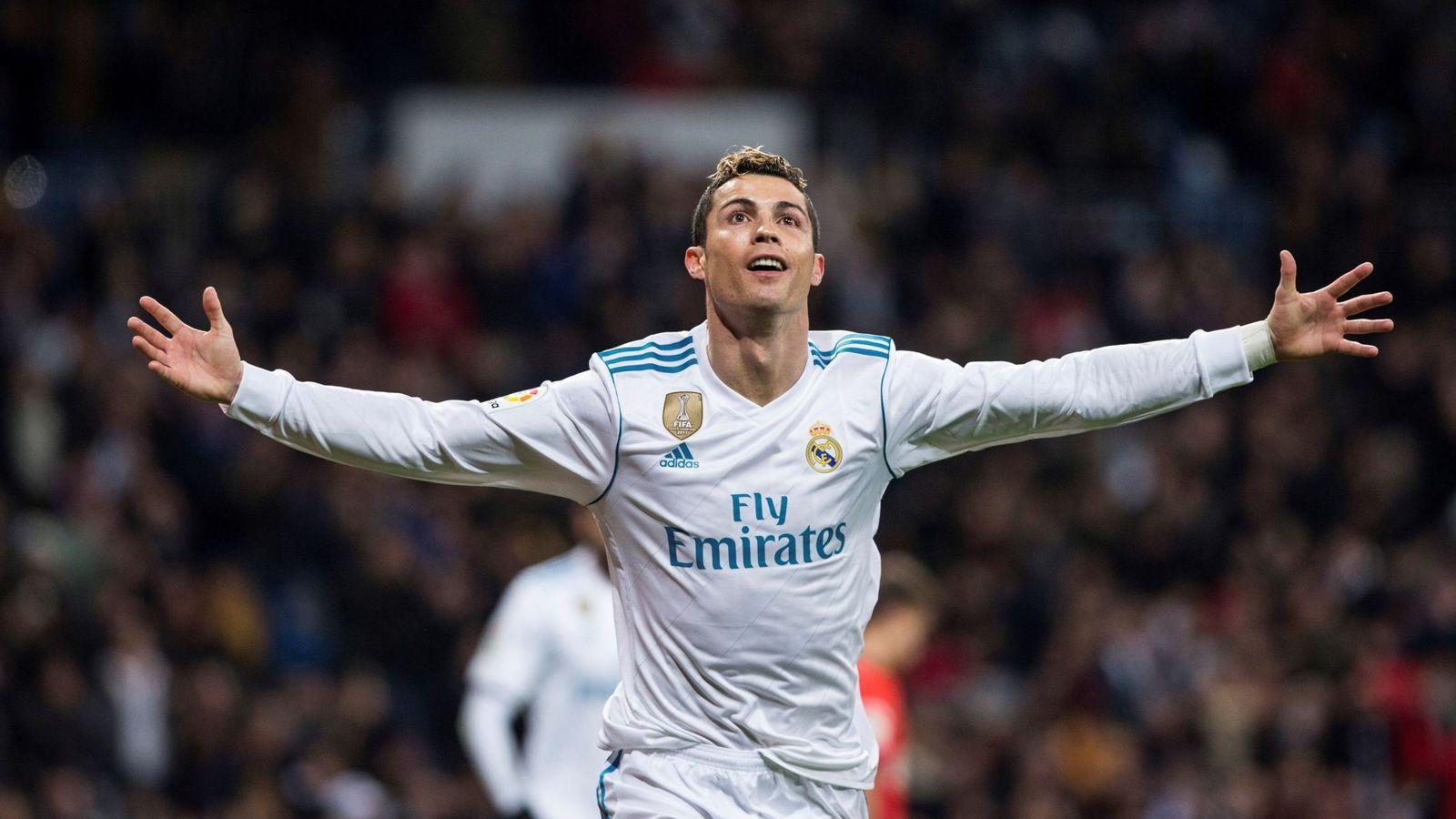Foto: Cristiano celebra su segundo gol a la Real en el Bernabéu. (EFE)