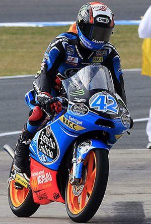 Rins pulveriza todos los récords saldrá por delante de Viñales y Salom en Moto3
