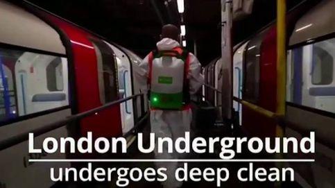 Banksy recuerda la importancia de la mascarilla en el metro de Londres