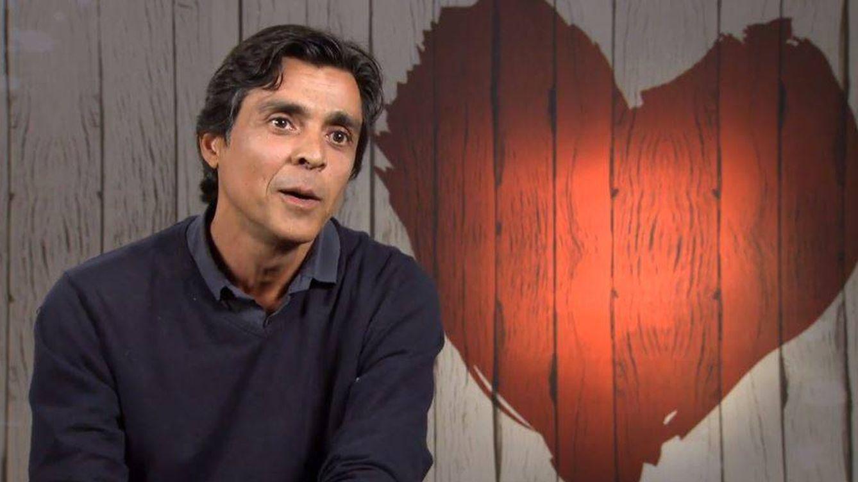Del 'Hare Krishna' y las drogas al yoga: la extraña vida de un comensal de 'First Dates'