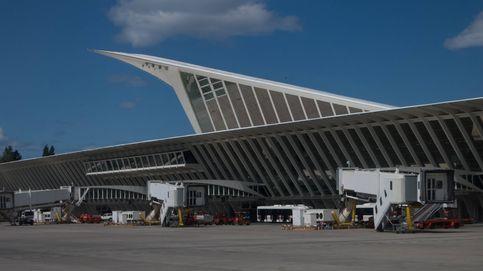 Despliegue policial en el aeropuerto de Bilbao por una falsa amenaza de bomba