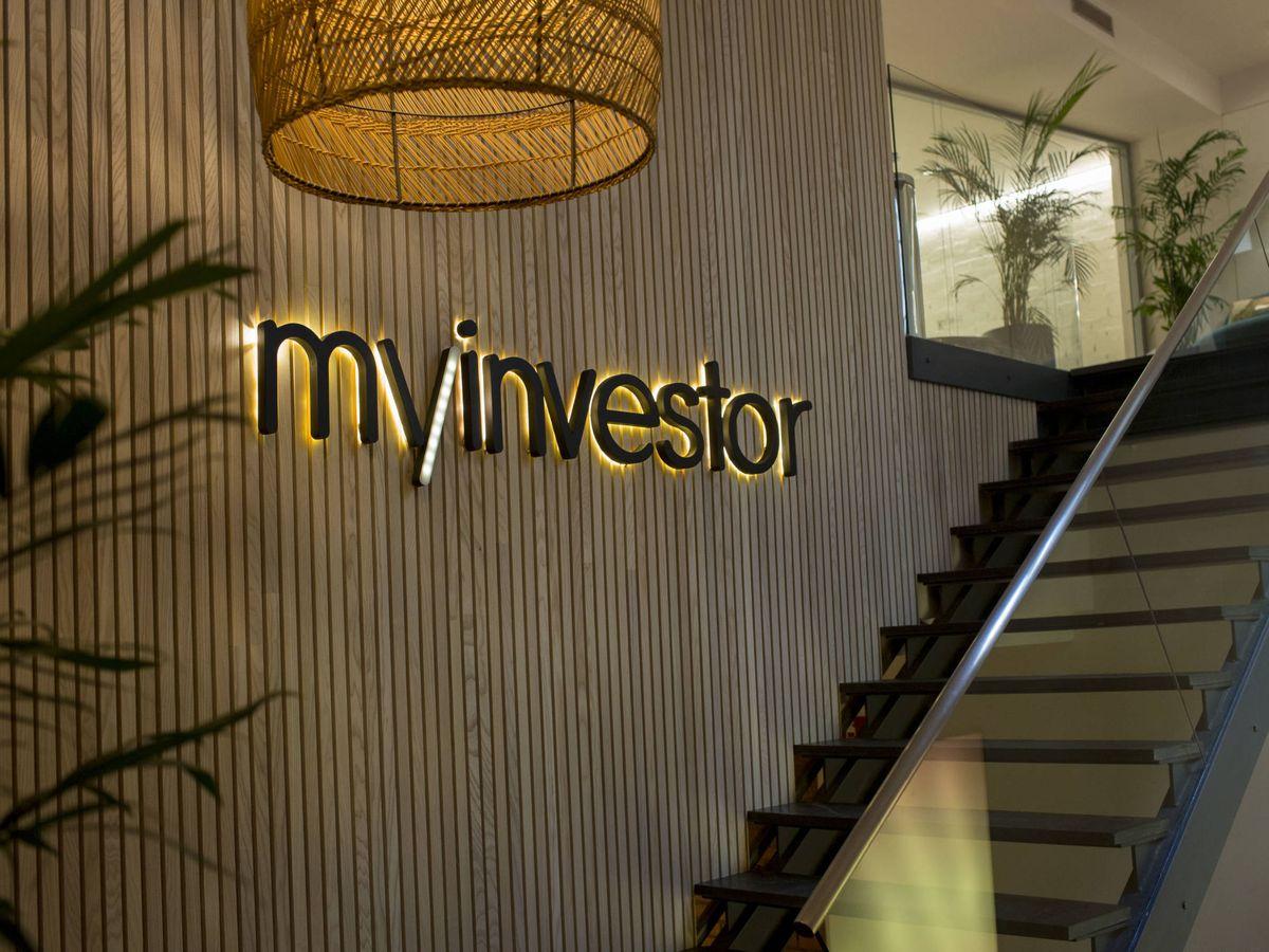 Foto: Logo de MyInvestor en las oficinas de la entidad.