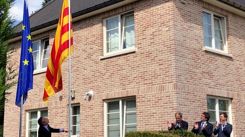 Acusan a Puigdemont de usurpar funciones y piratear logotipos de la Generalitat