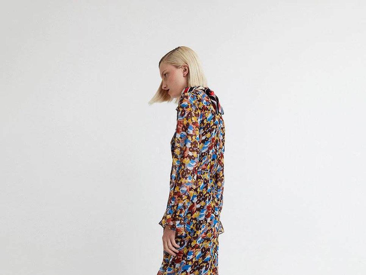 Foto: Vestido colorido de Sfera. (Cortesía)