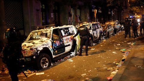 Esta noche os vais sin coche: así bloquearon los manifestantes a la Guardia Civil en la sede de Economía