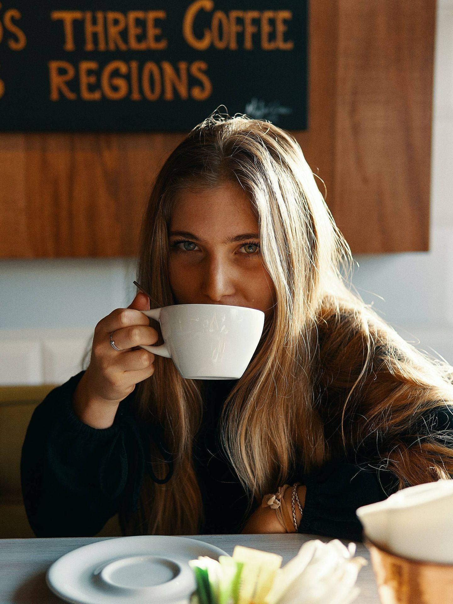 Bebidas saludables y antioxidantes para sustituir al café. (Gian Cescon para Unsplash)