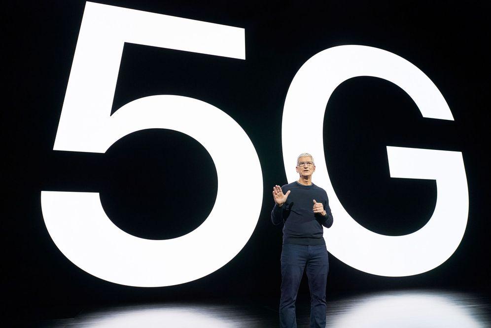 Foto: Tim Cook, durante la presentación de los primeros iPhone 5G. Foto: M. Mcloughlin