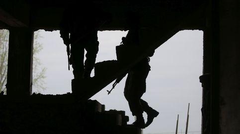 Enfrentamientos entre soldados indios e insurgentes