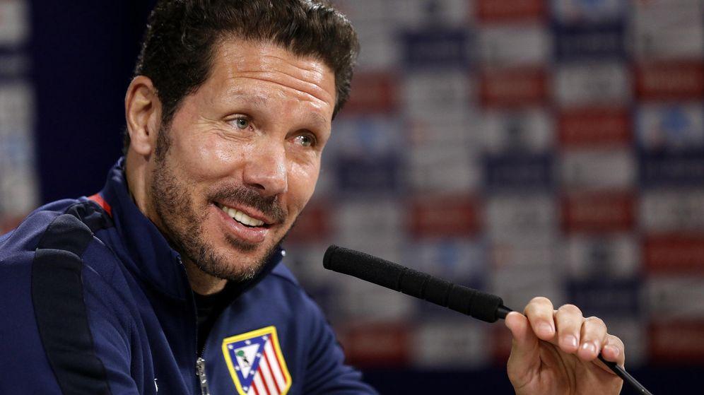 Foto: Simeone, durante la rueda de prensa previa al partido ante el Granada (Efe).