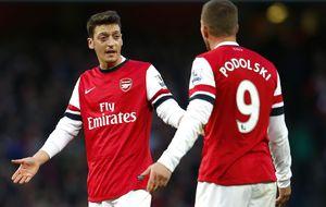 El Arsenal sufre más de la cuenta para recuperar el liderato