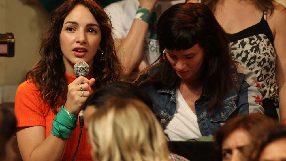 La actriz argentina Thelma Fardin denuncia al también actor Juan Darthés por violación
