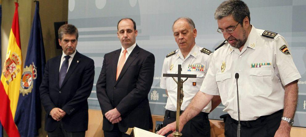 Foto: Jura de José García Losada. A la izquierda, el director general del Cuerpo Nacional de Policía, Ignacio Cosidó