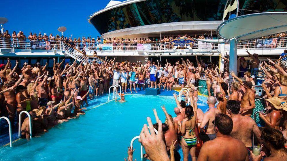 Foto: Así son los encuentros en la cubierta. (Couples Cruise)