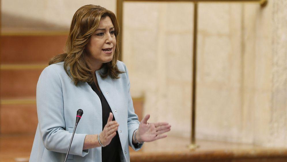 Foto: La presidenta de la Junta de Andalucía, Susana Díaz, el pasado 16 de febrero en el Parlamento autonómico. (EFE)