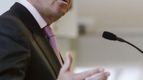 Guindos asegura que el Gobierno respetará la independencia de Bankia en la puja por el Popular