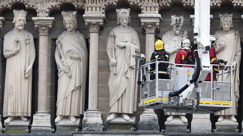 Dos tercios de la techumbre de Notre Dame se han quemado