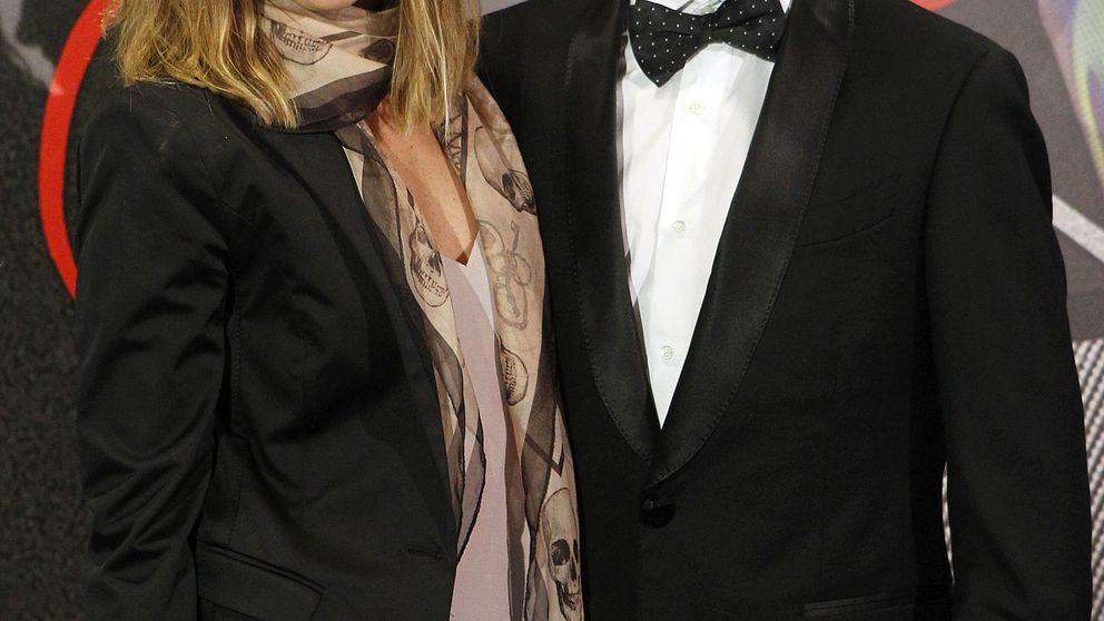 Jorge Lorenzo se lleva a su novia (y el esmoquin) a la presentación de su documental