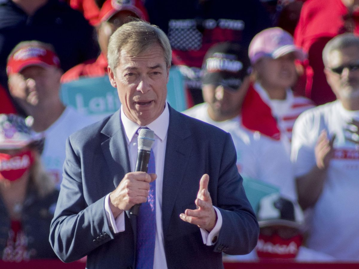 Foto: Nigel Farage, en un evento de campaña de Trump este octubre. (EFE)