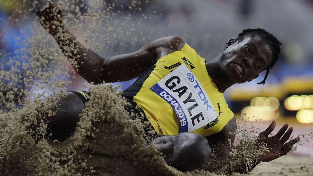 Foto: Tajay Gayle, durante la final de los Mundiales de Doha. (EFE)