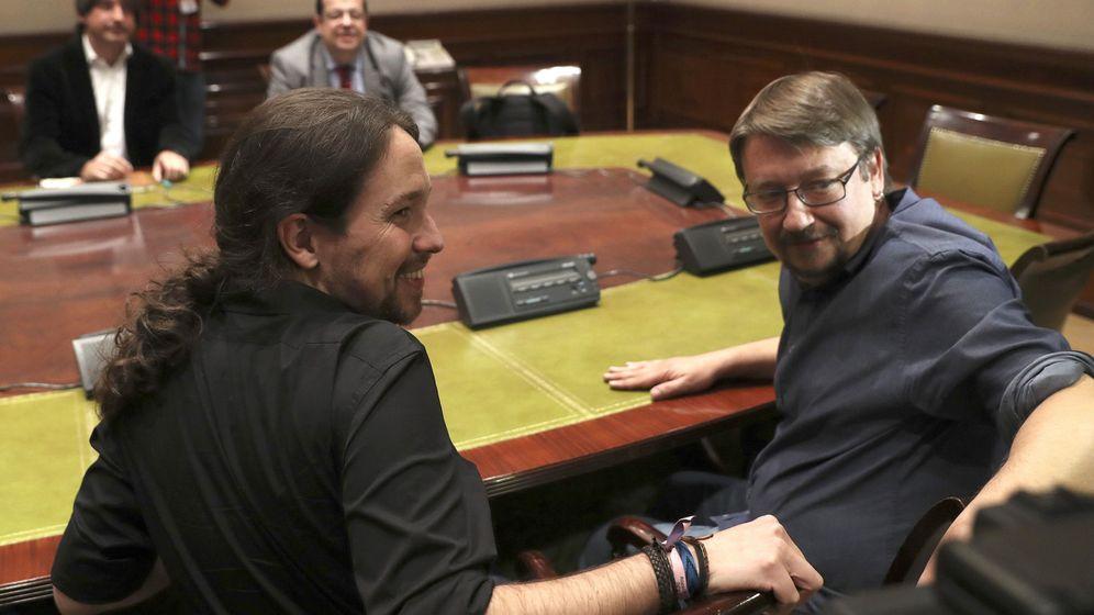 Foto: El secretario general de Podemos, Pablo Iglesias, y el coordinador de Catalunya en Comú, Xavier Domènech. (EFE)