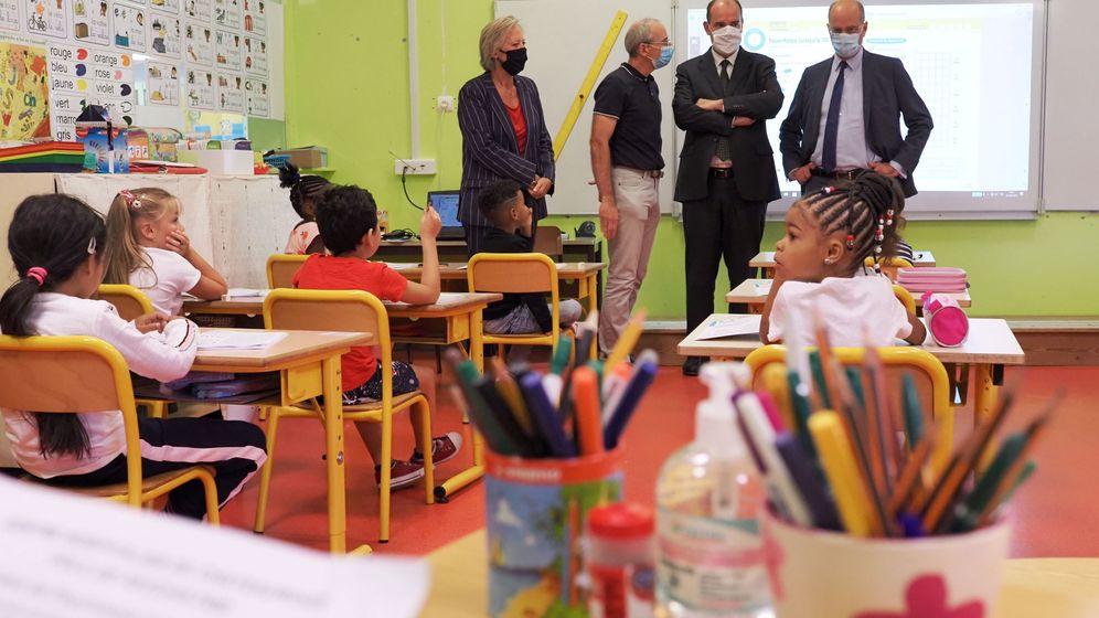 Foto: El primer ministro francés Jean Castex en una escuela en Chatearoux. (EFE)
