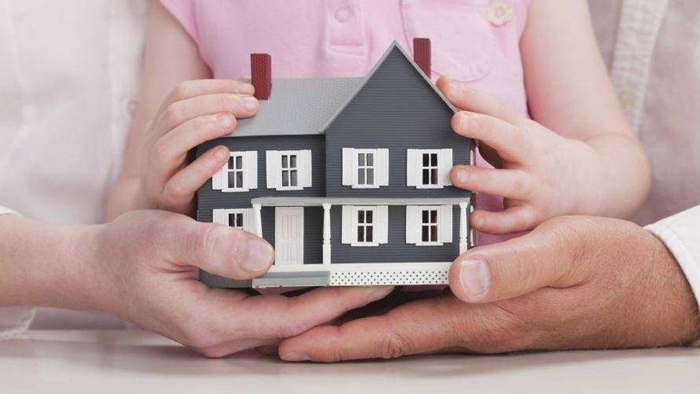 Foto: ¿Cómo me afecta fiscalmente donar a mi hija el 50% de una vivienda heredada? (Corbis)