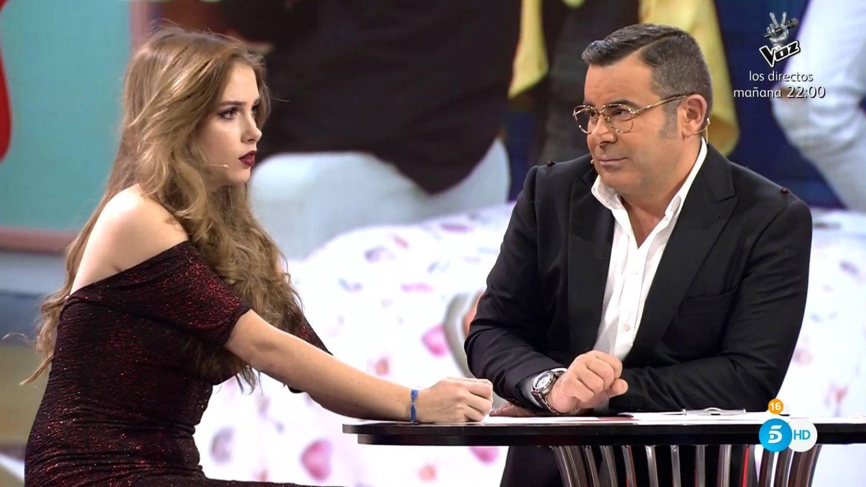 Jorge Javier Vázquez, con Carlota Prado, en 'GH Revolution'. (Mediaset España)
