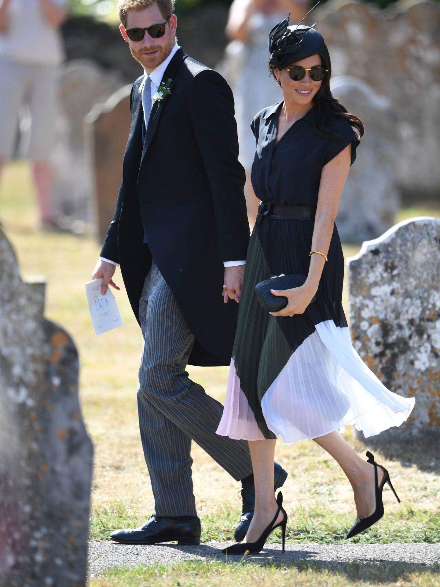 El príncipe Harry y Meghan Markle, en la boda de Charlie van Straubenzee y Daisy Jenks. (Cordon Press)