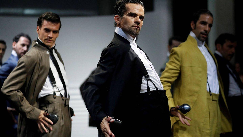 Desfile de la firma de sastrería 'Oteyza' en la pasarela Mercedes-Benz Fashion Week Madrid. (Efe)