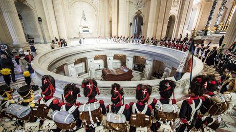 Ceremonia por el bicentenario de la muerte de Napoleón