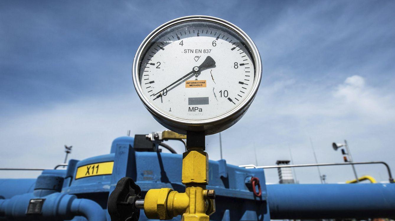 La dimisión de Soria deja en el aire el proyecto estrella del gasoducto con Francia
